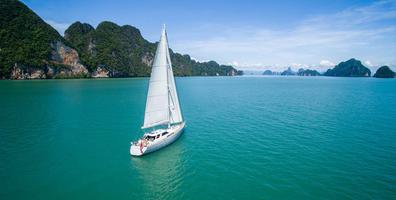 sl-silverling-phuket-yacht-charter-a-1140x664.jpeg